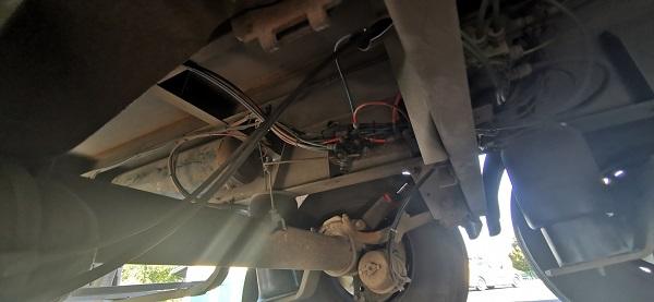 Fotók – Féktárcsa nélkül közlekedett az M7-es autópályán egy teherautós