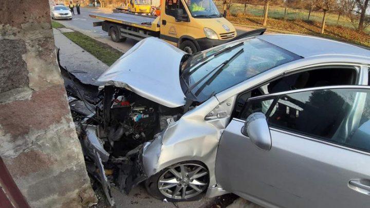 Fotók – Súlyos baleset történt reggel Szentendrén – Többen megsérültek