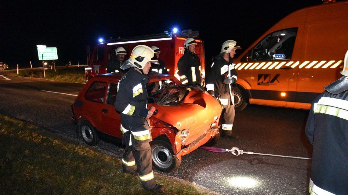 Fotók –  Polski Fiat ütközött Opellal – A Fiat sofőrje súlyosan megsérült