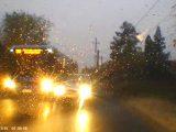 VIDEÓ: Centiken múlott a frontális ütközés Érden. Tudta a dolgát a buszvezető és a kamerázó autós