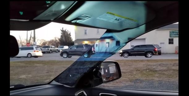 Videó – Egy 14 éves zseni megoldotta az autó holtterének problémáját!?