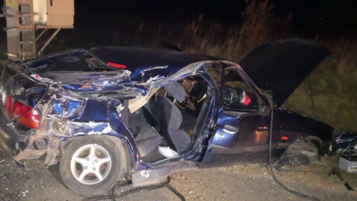 FOTÓK: Árokba hajtott egy 20 éves ittas sofőr Gecsénél, a 23 éves utasa meghalt