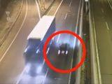 VIDEÓ: Részegen, de magabiztosan hajtott forgalommal szemben, nem kevés ideig