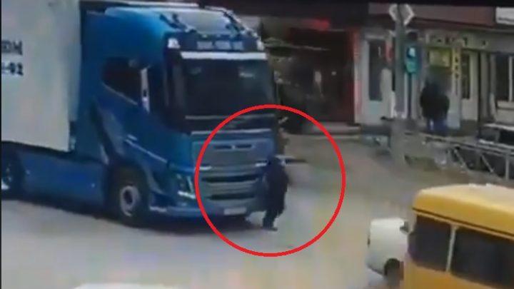 Újabb sokkoló videó, ami a holttér veszélyeire figyelmeztet