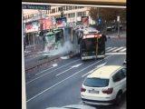 Videón a szombati, sokkoló milánói trolibusz baleset, melynek halálos áldozata is van