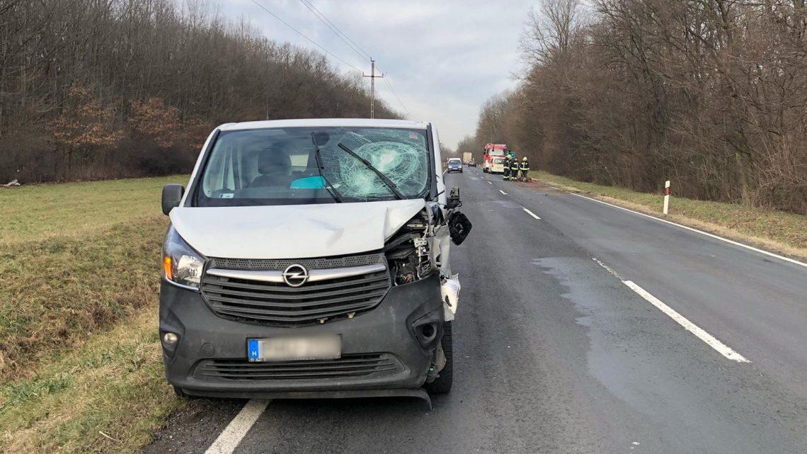 FOTÓK: Két autó tört össze egy vadgázolásos balesetben – casco nincs, a kár jelentős
