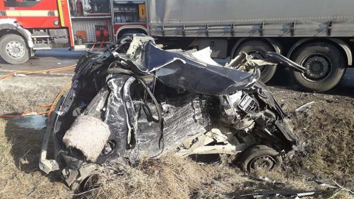 Nem élte túl az ütközést az autó 33 éves sofőrje