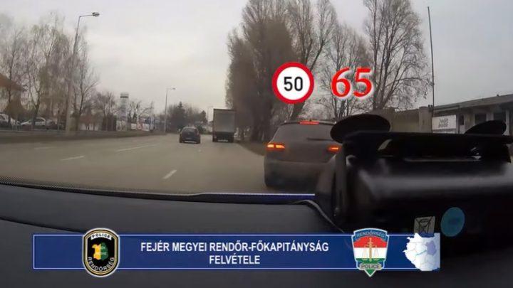 """VIDEÓ: Fejérben is """"civilkednek"""" a rendőrök. Mozgó autóból is mérnek, továbbra is sok a mobilozó"""