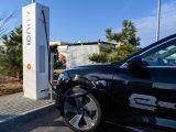 Olyat emelt árban az Ionity gyorstöltő hálózat, hogy akár benzinessel is olcsóbb lenne járni, ha náluk lehetne csak tölteni
