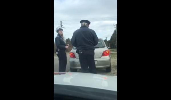 VIDEÓ: Nem mindennapi igazoltatás – Még a járőrök is megkönnyezték a történteket