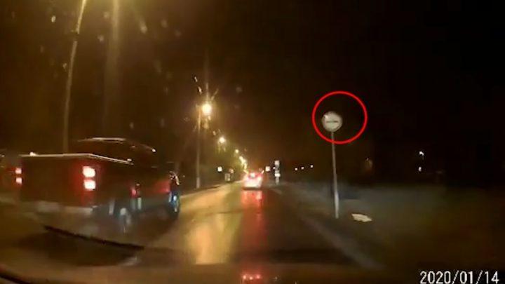 VIDEÓ: Szerencsés gyalogos a Nagykőrösin. Ez Nem BMW!