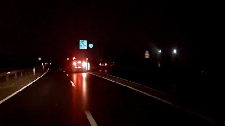 VIDEÓ: Tolatott az M0-áson péntek este, mert elnézte a kihajtót