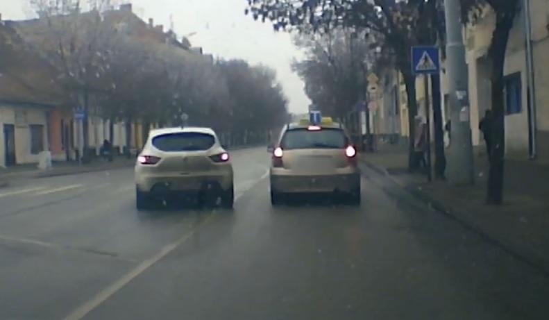 VIDEÓ: Ez a tanulóvezető hamar megismerte a közlekedési kultúrát