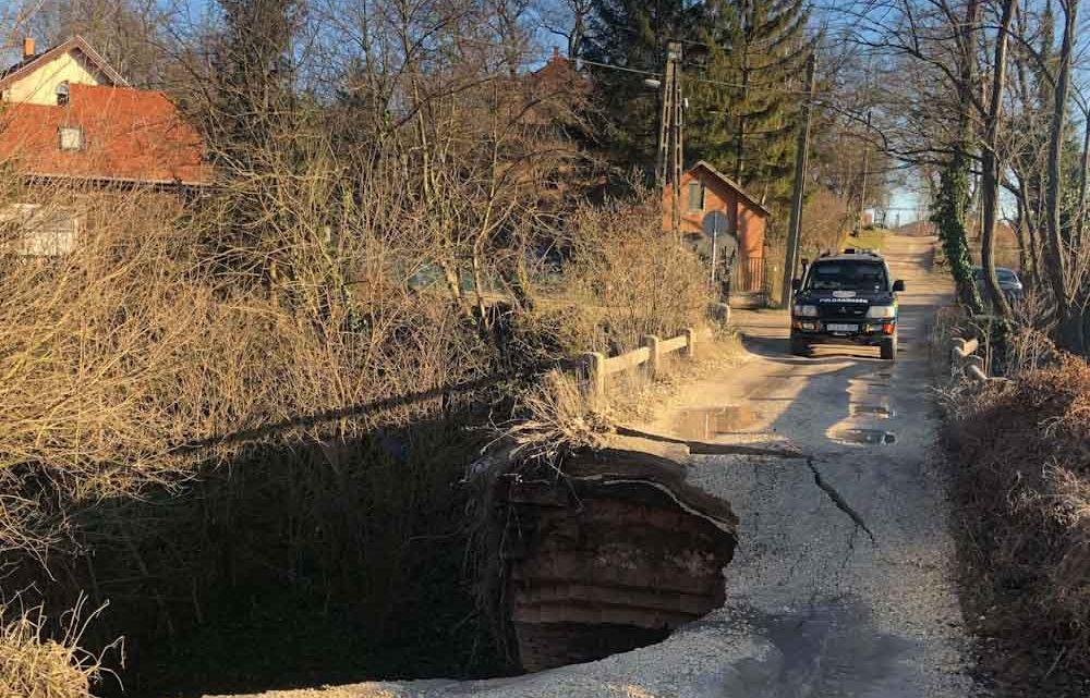 130 éves híd omlott le tegnap Piliscsabán