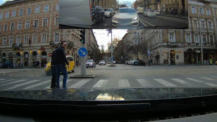 Videó a közönyről és arról a BMW-ből kiszálló emberről, aki megtette amit kell
