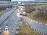 VIDEÓ: Eltévesztette az irányt, majd megfordult egy kamionos az autópályán – 6 hónap börtön járt érte