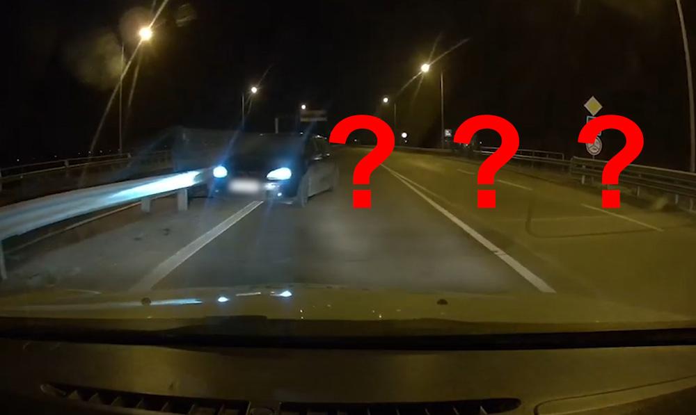 VIDEÓ: Szembe fordult a forgalommal a 21-es gyorsforgalmi úton egy autós