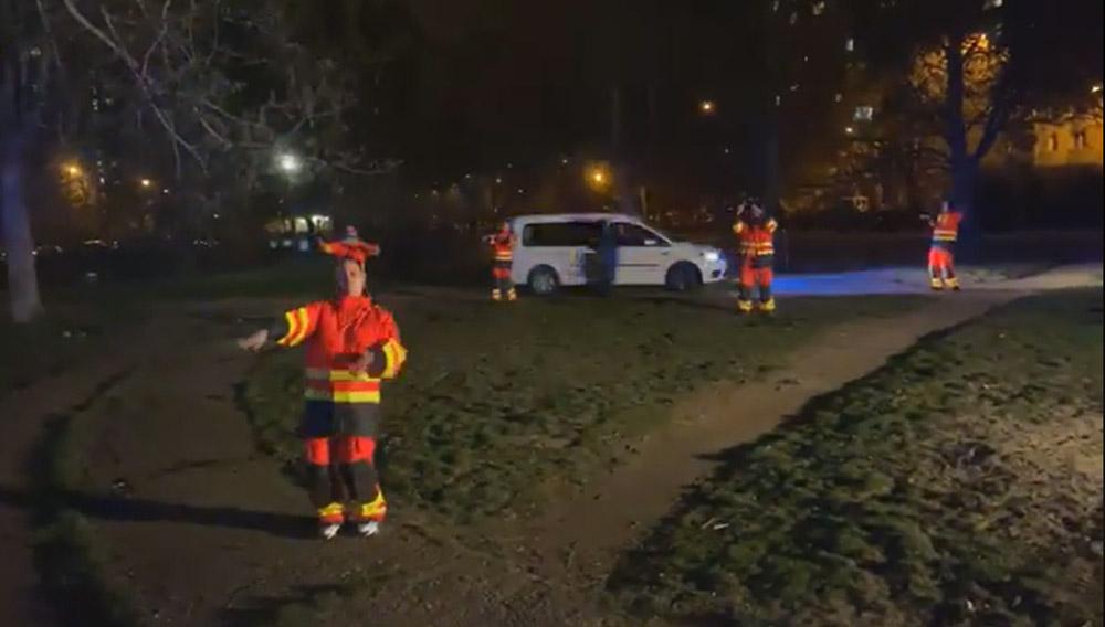 VIDEÓ: A mentőszolgálat így köszönte meg a tapsot és hogy otthon maradtok