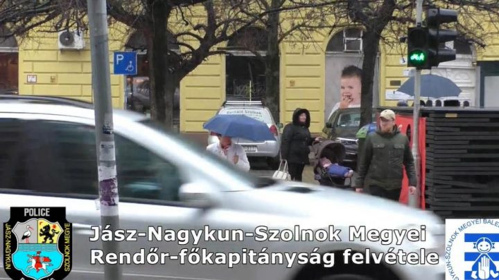 A MEGACUKI rendőrségi nőnapi köszöntő videó elején sem minden stimmel