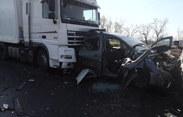 FOTÓK: Durva baleset miatt hatalmas a torlódás az M3-as autópályán Budapest felé