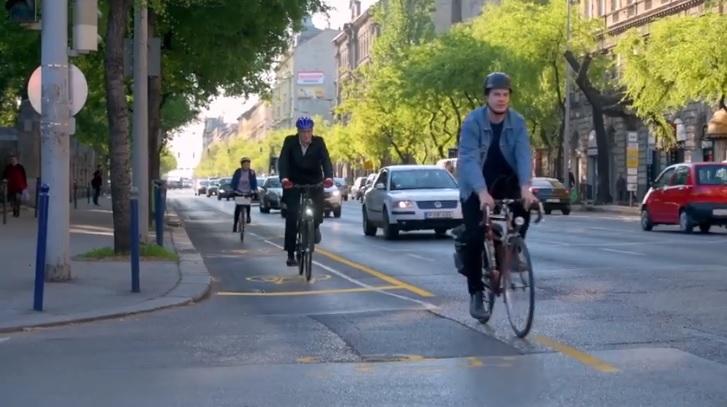 Új biciklisáv létesül a Ferenc körúton mindkét irányban