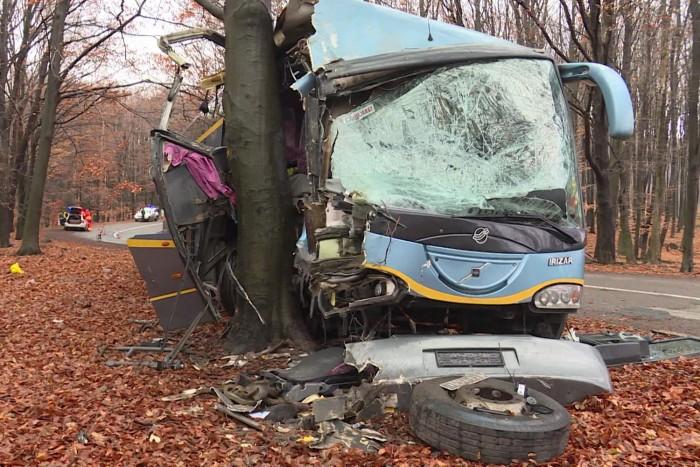 Érdekes statisztika: Kétszer akkora arányban okoztak balesetet a buszsofőrök a motorosoknál