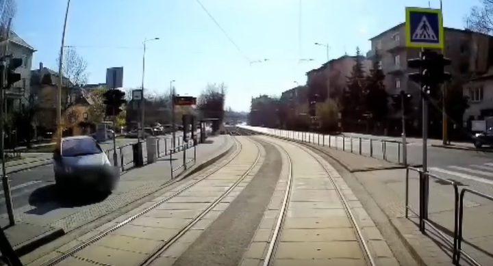 Videó a Villányi útról: Nincs nagy forgalom, de mégis elképesztő furcsa felvételeket kapunk
