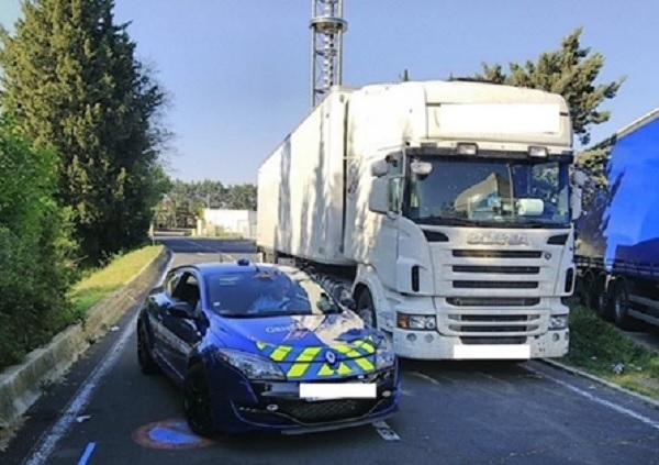 145 km/h-val hajtott egy kamion, amikor bemérték – Közel másfél milliós bírságot kapott