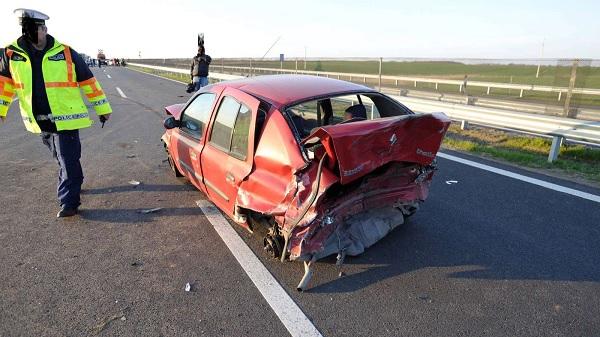 FOTÓK: Halálos baleset történt tegnap az M4-esen Monornál
