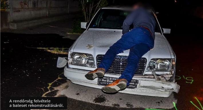 55 méteren át vitte a motorháztetőn a vétlen sofőrt, mert az vissza akarta tartani