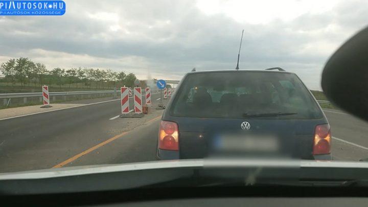 0-ra megállt, majd megfordult a 4-es út közepén. Senki, a mögötte jövő kamion sem zavarta