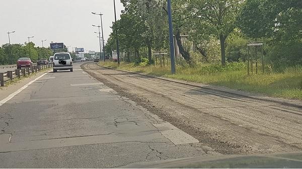 Útfelújítási munkálatok kezdődtek a Gyömrői úton a reptér irányába