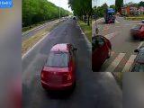 VIDEÓ: Pofátlankodott, nem engedték be, majd büntetőfékkel bosszulta meg
