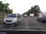 VIDEÓ: Lezúzták autóját Szentendrén és nem álltak meg. Gábor örült, hogy volt kamerája