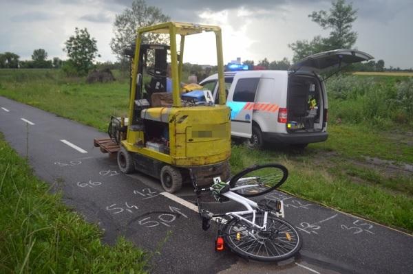 Furcsa baleset Békéscsabán – Kerékpárúton álló targoncának hajtott egy biciklis hölgy
