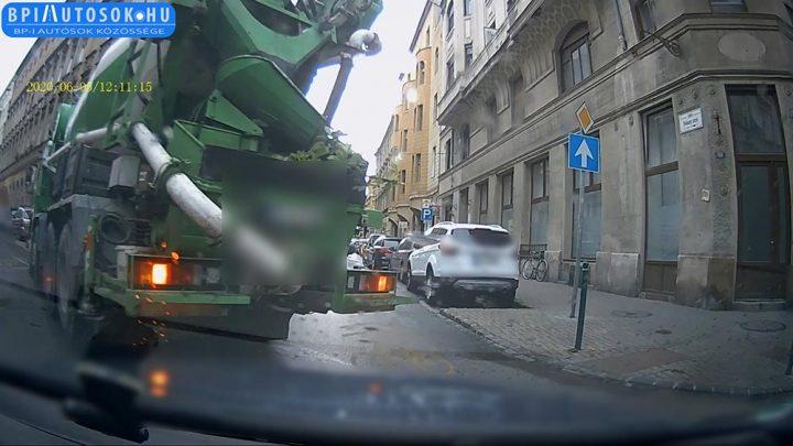 VIDEÓ: Neki állt feljebb a dudaszó, satuféket nyomott a mixer sofőrje