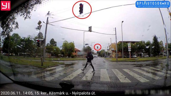 VIDEÓ: Őrült sofőr | Jó, hogy aznap 13 másodperccel hamarabb indult el a mobiljába meredő srác
