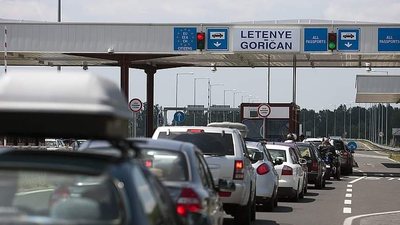 Hatalmas torlódás van az M7-es autópályán a Magyar-Horvát határszakaszon