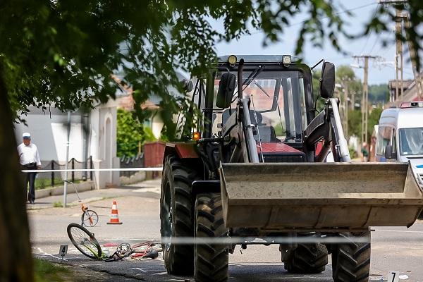 Halálra gázolta egy traktorral a 14 éves lányt, de nem ő volt a hibás