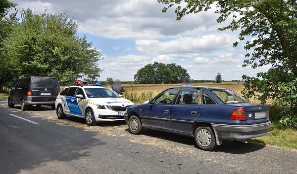 Jelezte utasának, hogy rosszul van ezért félreáll autójával – Kiszállt, majd életét vesztette az idős sofőr