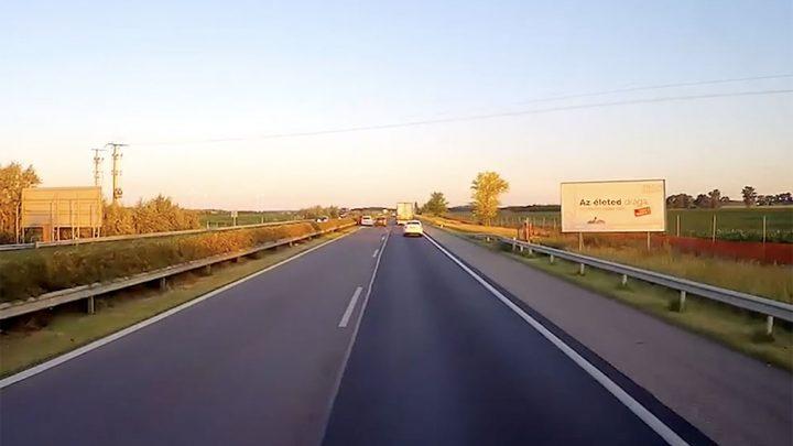 VIDEÓ – Ma reggeli rémálom az M1-esen: Ott lerobbanni ahol ő, nem egy életbiztosítás