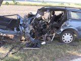 Halálos baleset történt, amikor egy autó fának csapódott