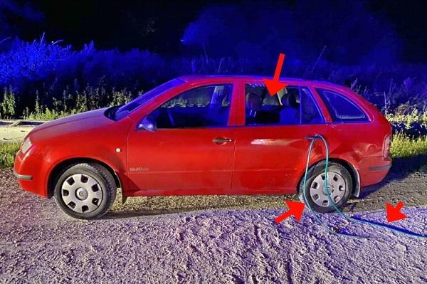 Öngyilkos akart lenni, ezért bevezette autójába a kipufogógázt – Rendőrök mentették meg a férfit