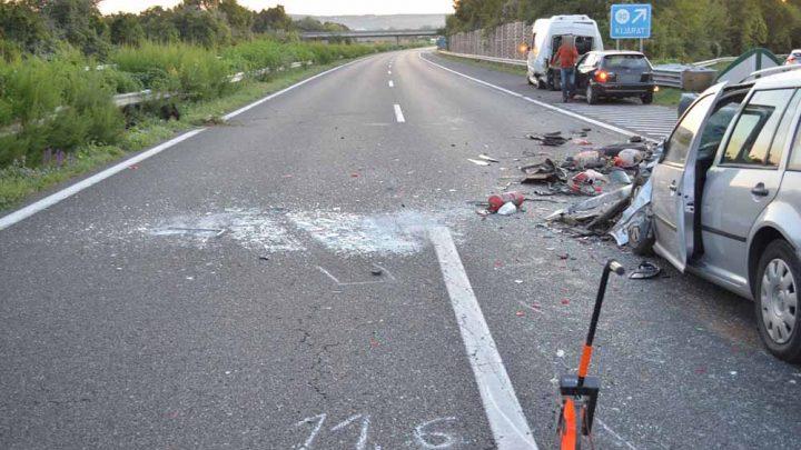 Súlyos balesetet okozott ma az M7-esen egy autóval tolató férfi