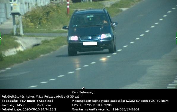 FOTÓK: Sikerült az autósnak oda- és visszafelé is belefutnia ugyanabba a traffipaxba