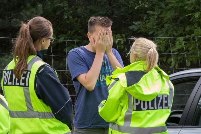 Az ittas sofőr és az utasa is letöltendő börtönbüntetést kapott egy baleset miatt