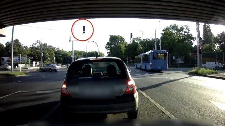 VIDEÓ: Egy ilyen miatt bármikor rommá törnek hátulról és ne gyertek a követési távolsággal