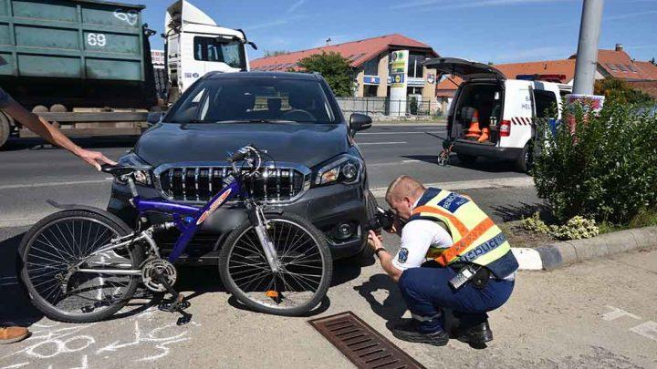 Járdán tekert a bringás, nem kapott elsőbbséget, baleset történt. A járda nem kerékpárút!