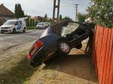 Fotók: A házaspár a kertben kávézott, amikor egy Suzuki csapódott a kerítésüknek Egervölgyön