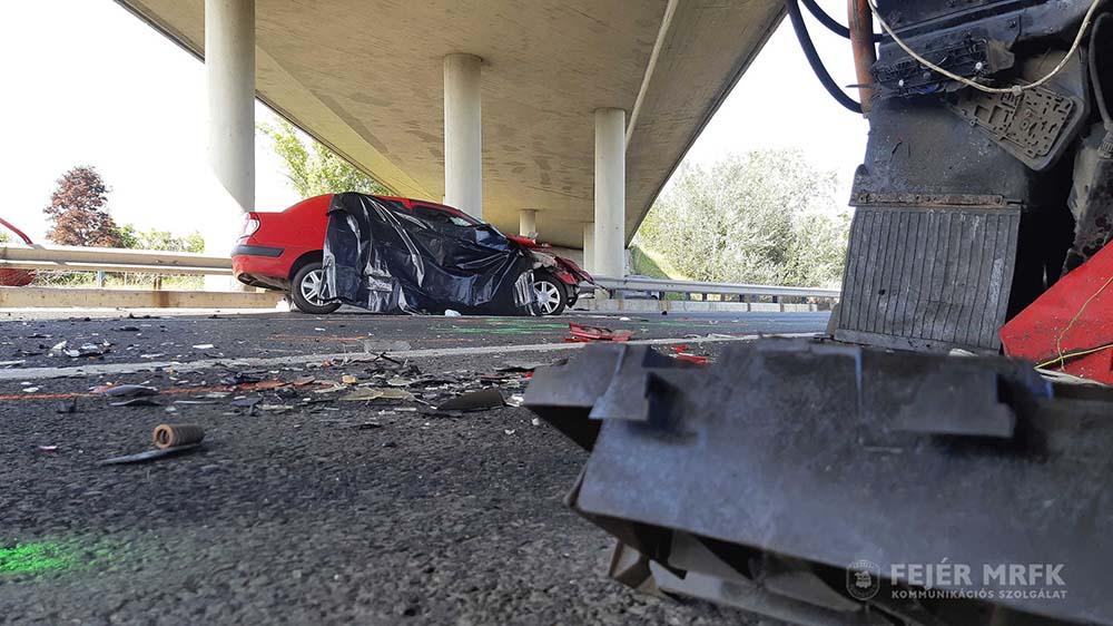 Csütörtökön tragédia is történt | Három darab ütközésienergiaelnyelő modult törtek ronggyá az autósok pár hét alatt